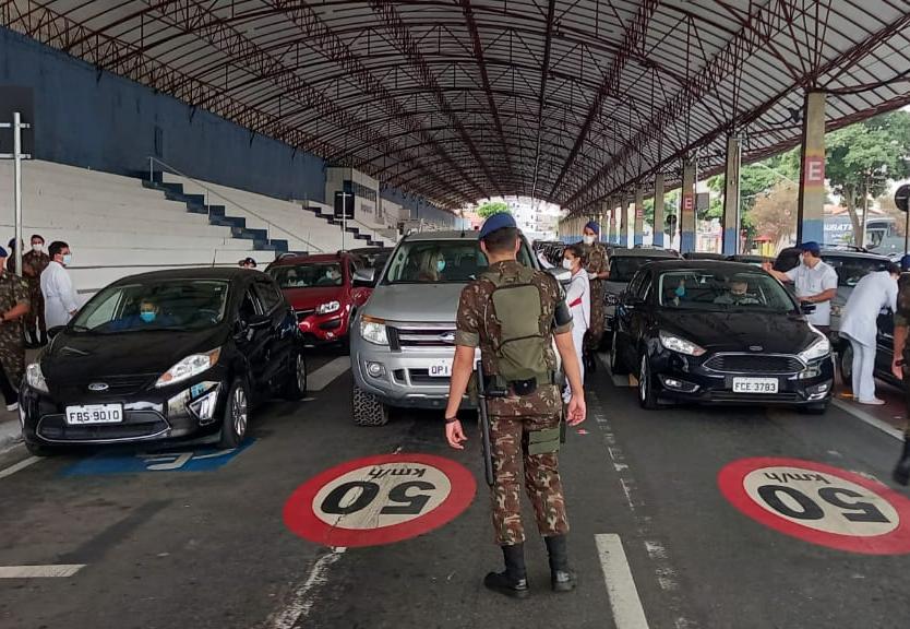 Militares do Exército assumem vacinação contra Covid-19 em Taubaté