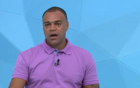 """Denílson acredita que Flamengo não é """"time ideal"""" para Daniel Alves"""