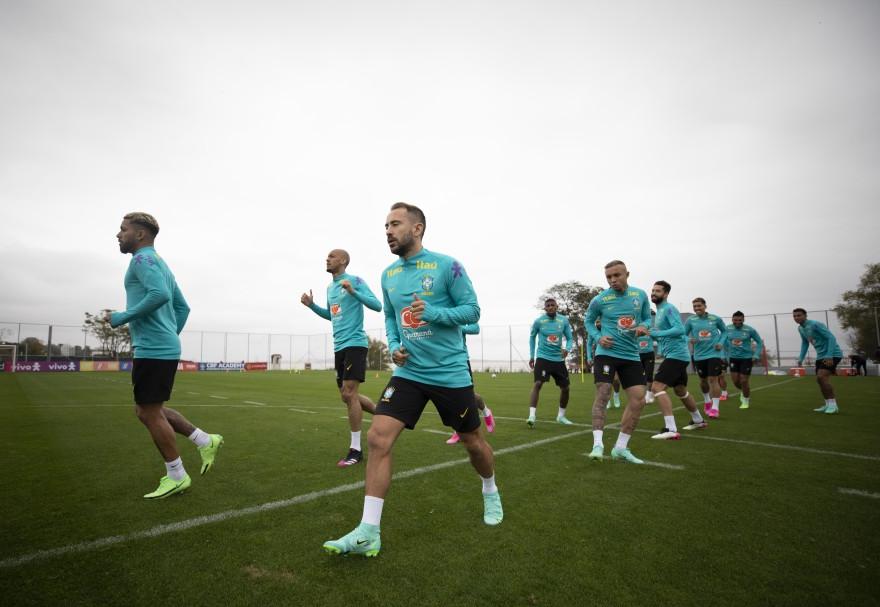 Seleção brasileira decide jogar Copa América, mas prepara manifesto