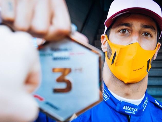 """F1: Ricciardo diz que """"é bom estar de volta"""" e quer """"ataque total"""" no GP da Itália"""