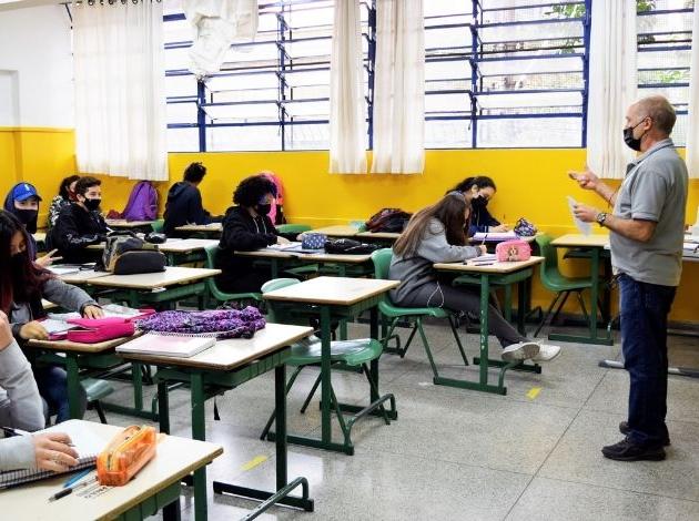 SP: Escolas municipais da capital paulista retomam atividades com 100% de ocupação