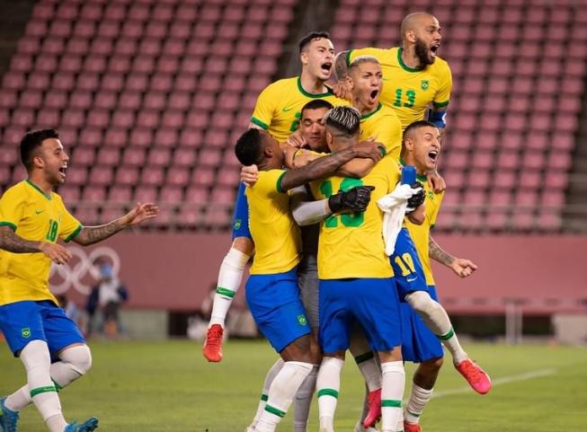 Brasil bate México nos pênaltis e vai à final no futebol masculino em Tóquio