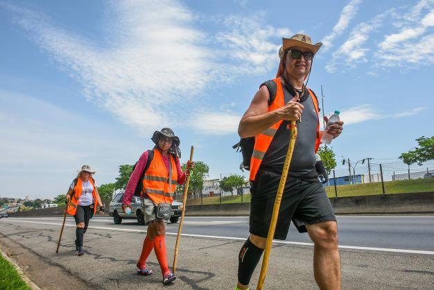 Mais de 30 mil romeiros caminharam rumo à Aparecida em 2021, de acordo com a PRF