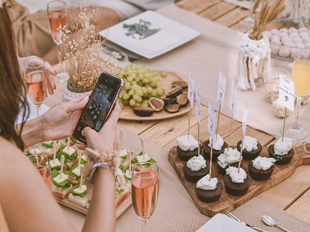 Saiba como montar uma mesa bonita e funcional
