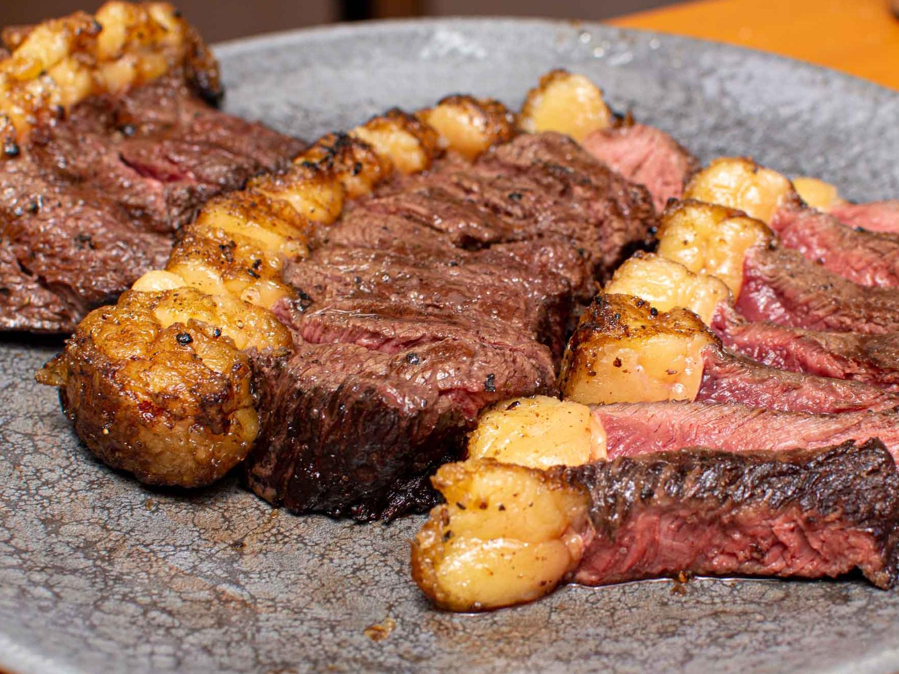 Mal passada, ao ponto e bem passada: como acertar o ponto da carne no churrasco