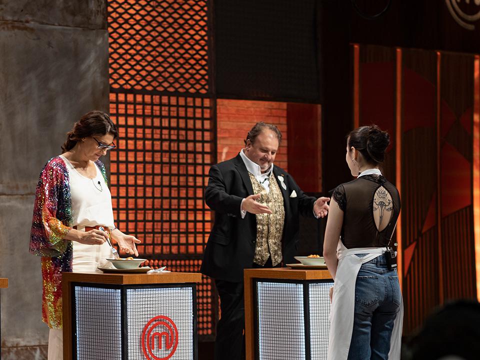 Os jurados experimentaram o prato de Rafaela