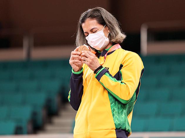 Lúcia Araújo conquistou terceira medalha paralímpica da carreira