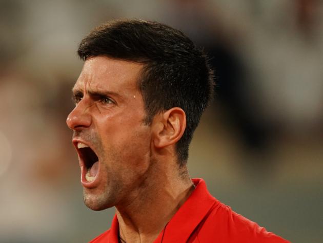 Com virada histórica, Djokovic bate Nadal pela 2ª vez em Roland Garros e vai à final