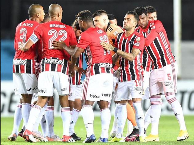 Dono da melhor campanha da competição, o São Paulo enfrenta a Ferroviária