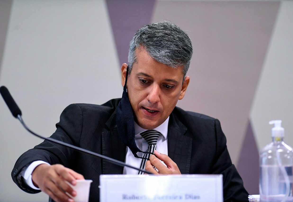 Aziz decreta a prisão de ex-diretor do Ministério da Saúde por mentir à CPI da Covid