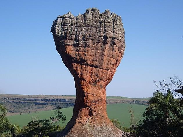 Parque Vila Velha pode ser visto de cima em passeio de balão