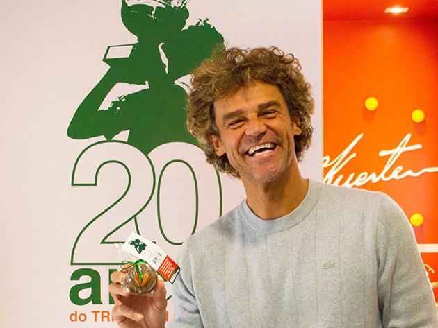 Há 20 anos, Guga se tornava tricampeão de Roland Garros