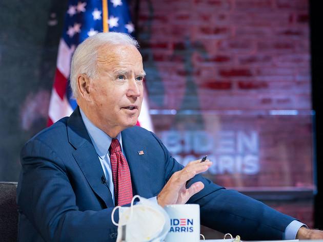 Em primeiro dia no cargo, Biden anula várias decisões de Trump