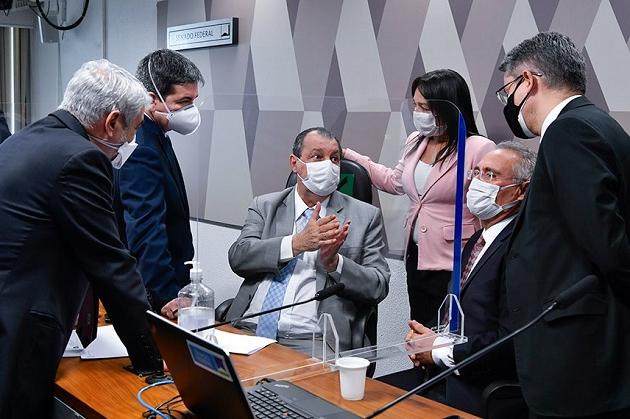 Com relatório final adiado, CPI se reúne para ouvir familiares de vítimas da Covid-19