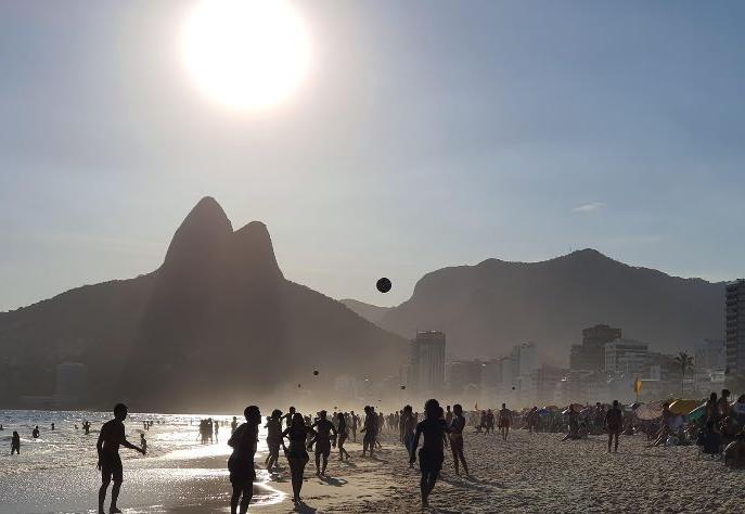 Com alta do dólar, brasileiros apostam em destinos nacionais para as férias