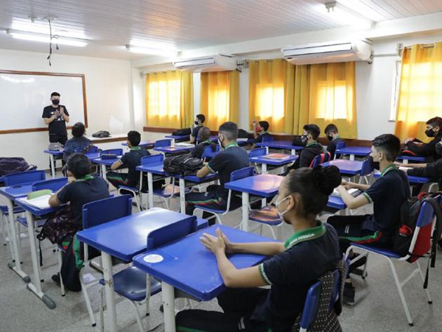 Escolas não vão funcionar hoje em Manaus; cidade amanhece sem transporte coletivo