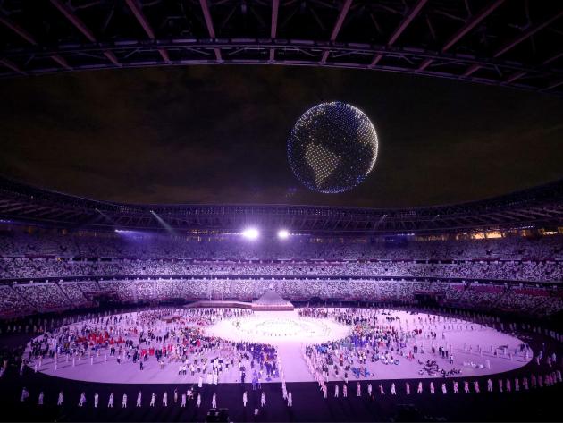 Drones formaram o globo terrestre durante a celebração no estádio Olímpico