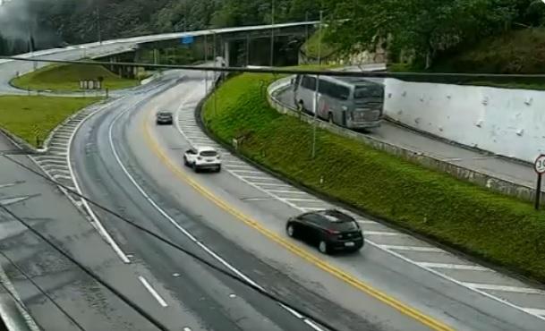 Confira o trânsito nas principais estradas do Vale do Paraíba em 20 de outubro