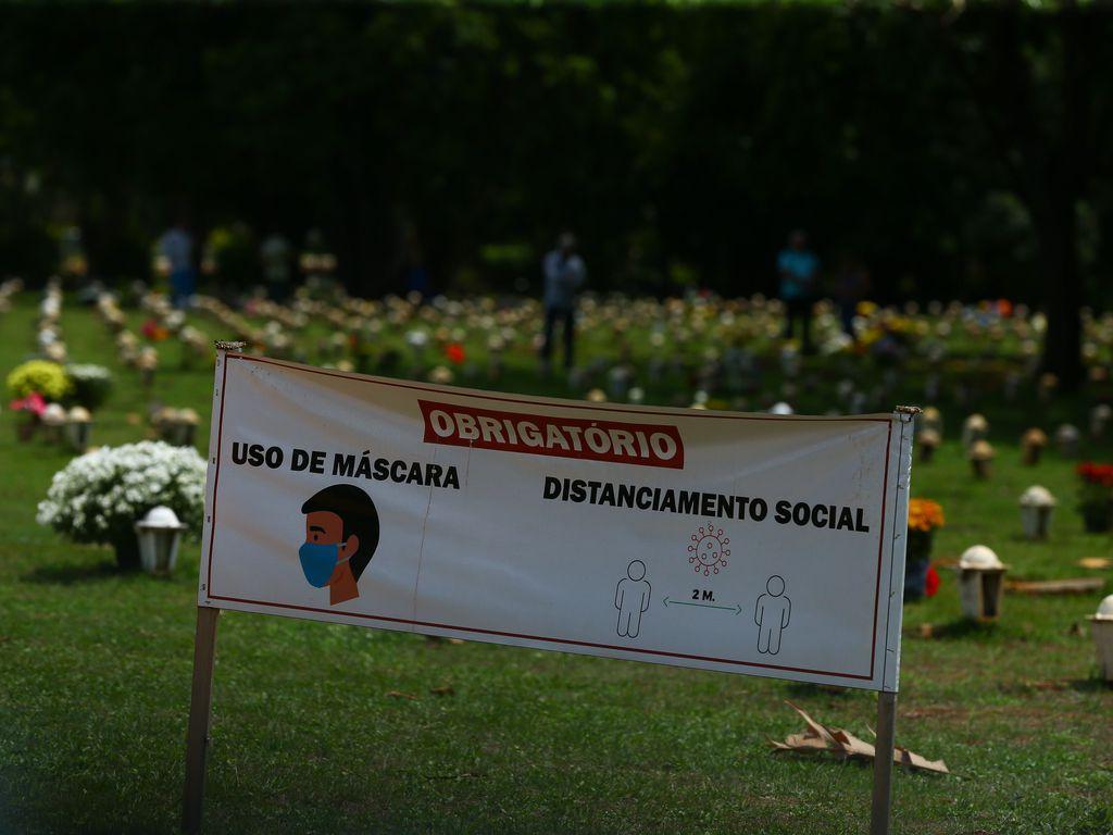 Projeções do governo mostram que SP pode registrar até 800 mortes diárias por Covid