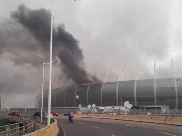 Incêndio atinge Arena Castelão em Fortaleza