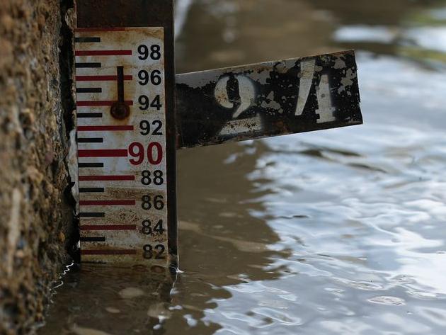 Em meio à crise hídrica, Ministério de Minas e Energia apela para entidade que afirma fazer chover