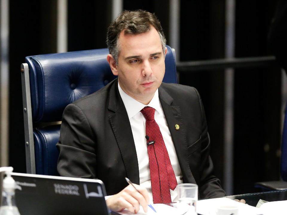 """Rodrigo Pacheco, presidente do Senado, é entrevistado pelo """"Canal Livre"""" neste domingo"""