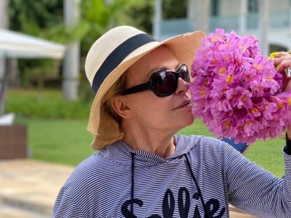Ousadia e alegria: Ana Maria Braga surpreende e dá dica de sexo