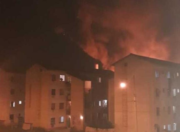Duas crianças são socorridas após incêndio atingir condomínio do Minha Casa Minha Vida no RJ