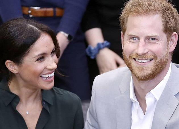 Príncipe Harry e Meghan Markle devolvem títulos da realeza britânica e perdem ajuda financeira
