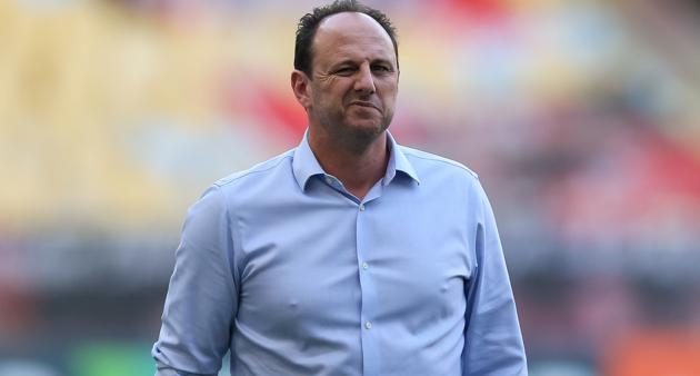 Entre as conquistas do treinador, estão o Campeonato Brasileiro de 2020 e a Supercopa do Brasil de 2021