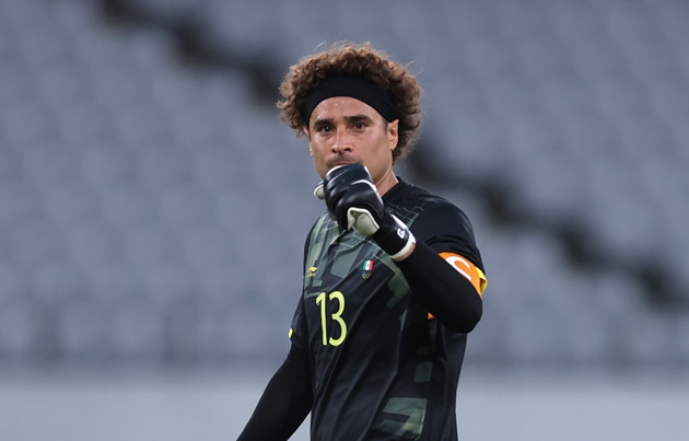 Ochoa, goleiro do México, comemora vitória sobre a França
