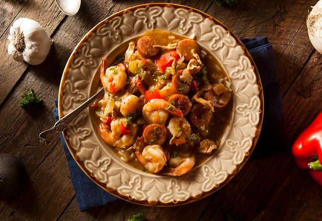 Mexido de camarão com linguiça vale como entrada ou prato principal
