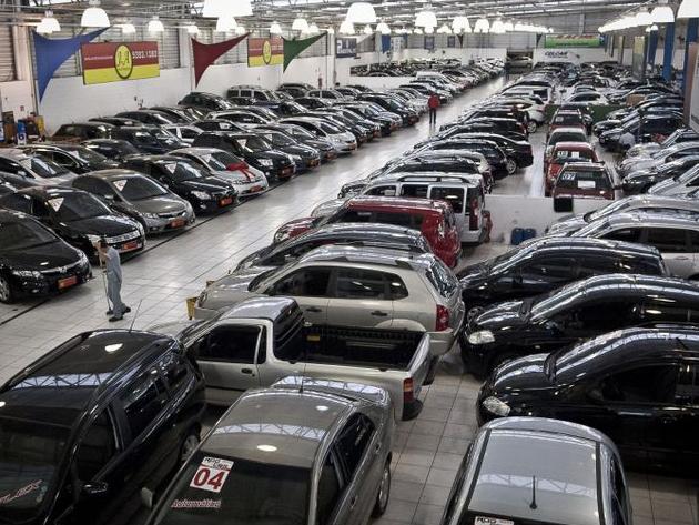 Interesse por carros usados aumentou em 2021, diz Fenabrave