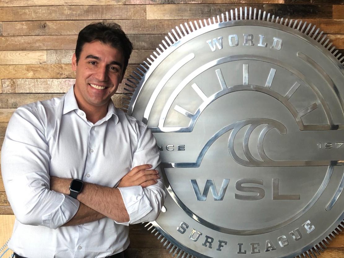 CEO da Liga Mundial de Surfe descarta final de 2022 na piscina de ondas do Kelly Slater