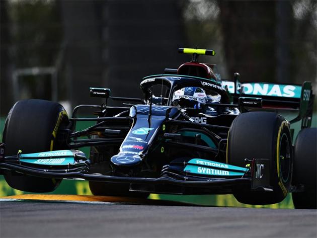 F1: Desempenho na Emilia Romagna anima Mercedes, porém pilotos seguem cautelosos com a Red Bull