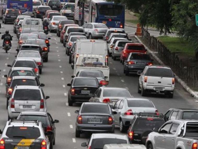 Rodízio de veículos volta ao horário tradicional em São Paulo