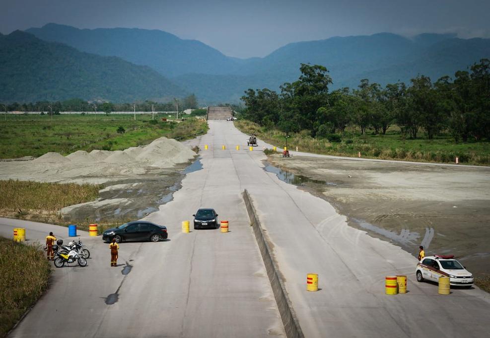 Governo retoma obras no contorno da Tamoios, no litoral norte de São Paulo