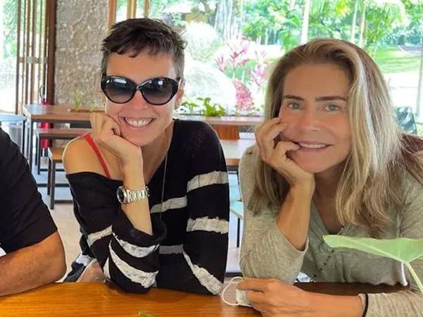 Rumores apontam suposto romance entre Maitê Proença e Adriana Calcanhoto