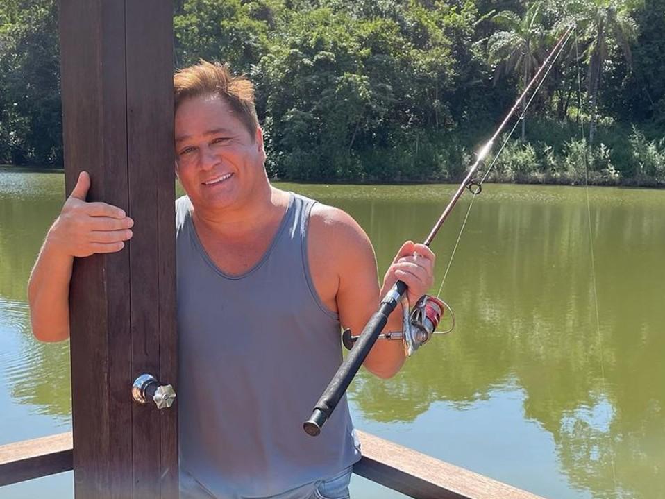 Leonardo come peixe supostamente vivo durante a pesca