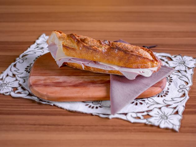 Sanduíche deve ser comido com talher ou com as mãos? Jacquin dá dicas para arrasar na receita