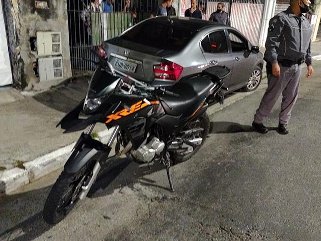 Policial reage e atira contra assaltantes na zona oeste de São Paulo