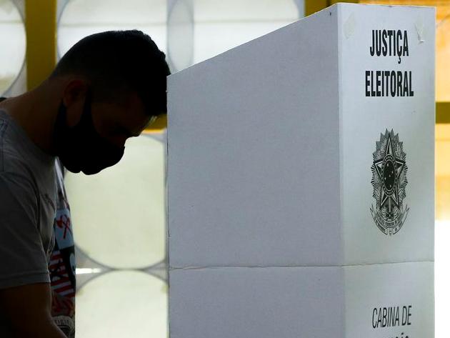 Eduardo Oinegue: O político quer controlar tudo. Por isso odeia a imprensa e as pesquisas eleitorais