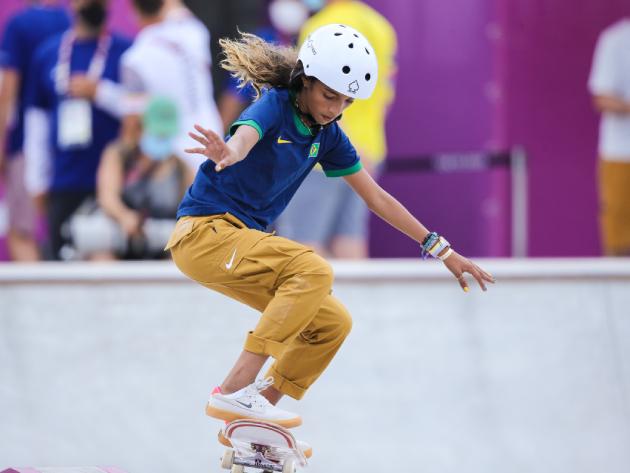 Aos 13 anos, Rayssa Leal faz história e conquista a prata no skate street em Tóquio