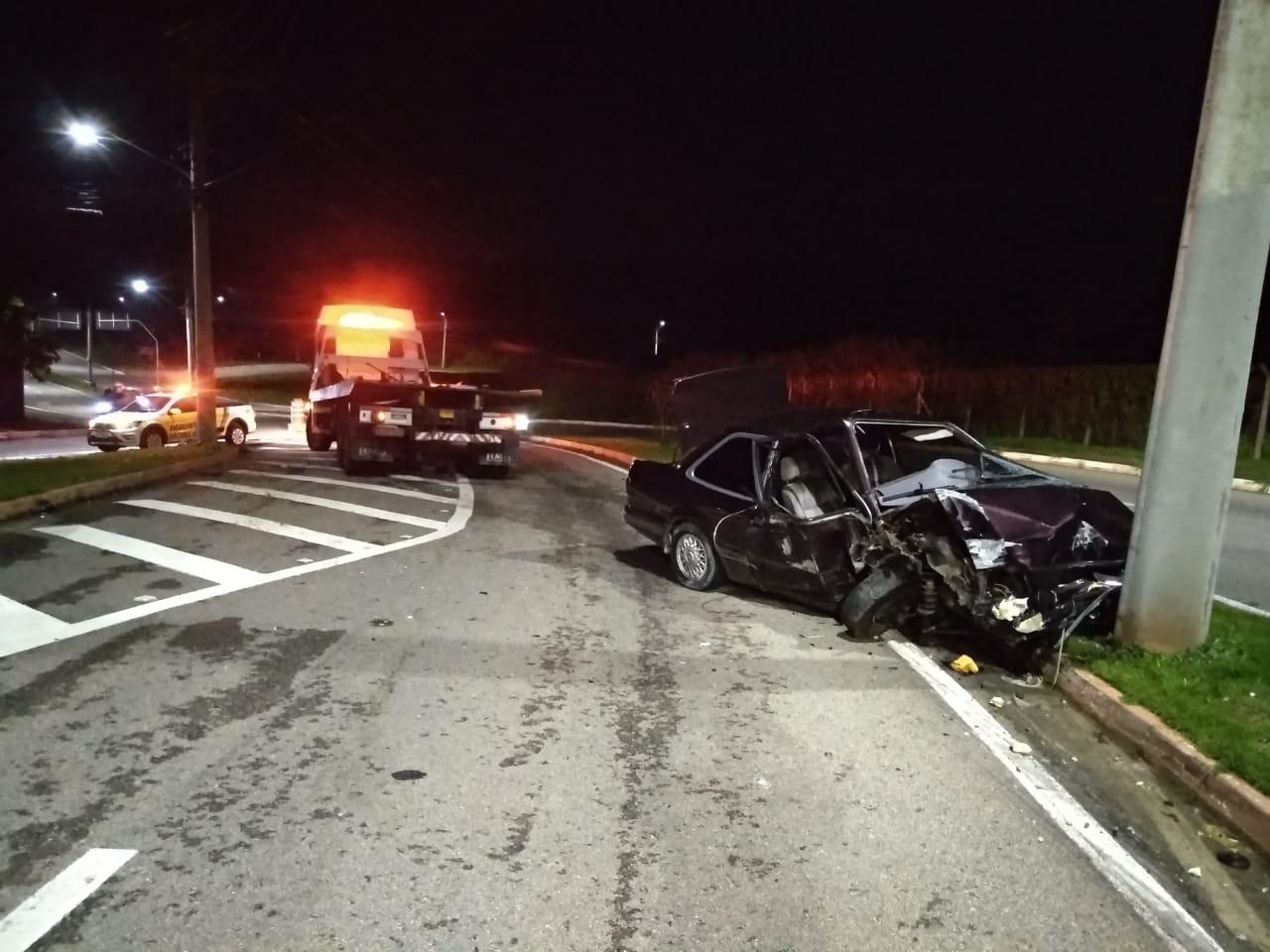 Suspeito de roubo morre após acidente enquanto fugia da Polícia Militar em São José dos Campos