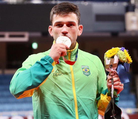 Daniel Cargnin conquista medalha de bronze no judô nos Jogos de Tóquio