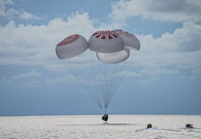Turismo espacial: nave da SpaceX volta à Terra após missão de 3 dias no espaço