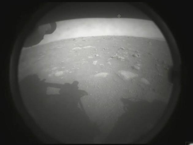 Robô explorador da Nasa pousa com sucesso e está em Marte