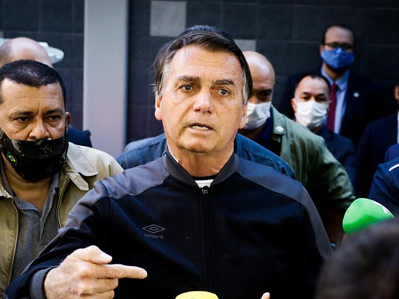 Presidente Jair Bolsonaro tem alta e deixa hospital em São Paulo