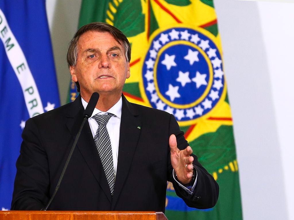 José Simão: Tratamento precoce é impeachment de Bolsonaro