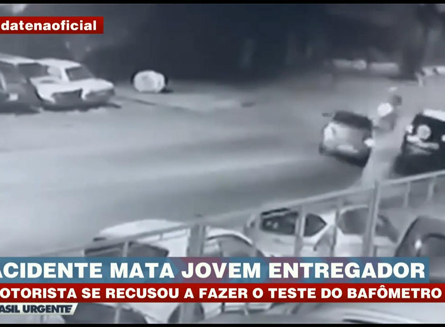 Carro invade contramão e mata jovem entregador em Jandira